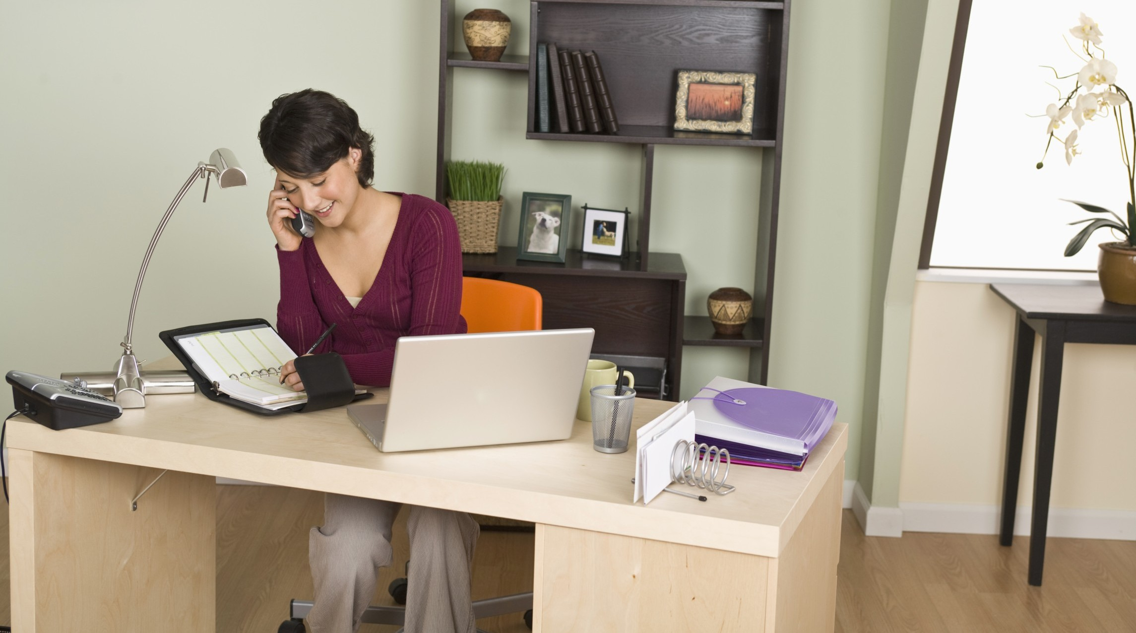 5 Easy Home Office Fixes For Better Productivity